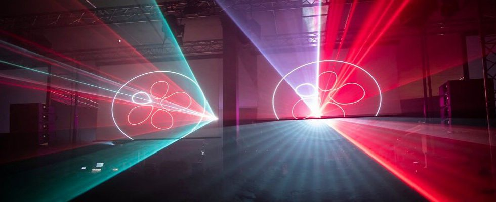 lasershow-openingsfeest-dillewijn-evenementenbureau-advance-events.jpg